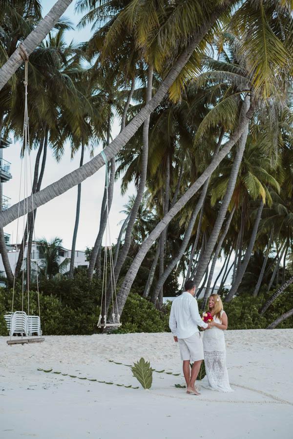 elope in maldives-2