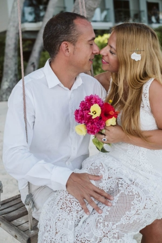 elope in maldives wedding